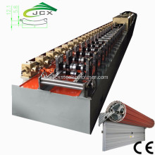 Isolerade PU Slat Rolling Shutters Machine